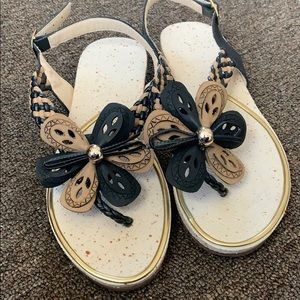 Shoes - 🌸Braided Floral Sandals